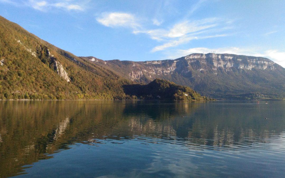 Trail autour du lac d'Aiguebelette : Les détails d'une aventure partagée.