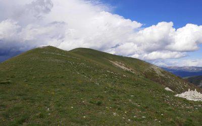 Randonnée sauvage et abrupte sur la montagne de Miélandre depuis le col de Valouse